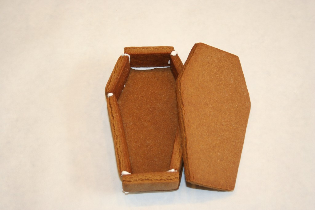 Gingerbread_Coffin11