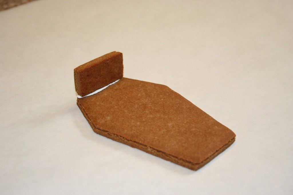 Gingerbread_Coffin3