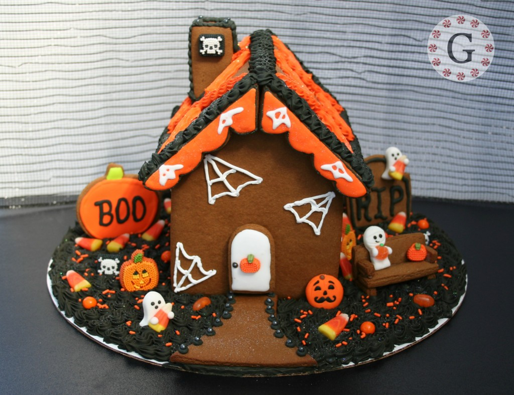 House made with cutters from gingerbreadhousecutters.com