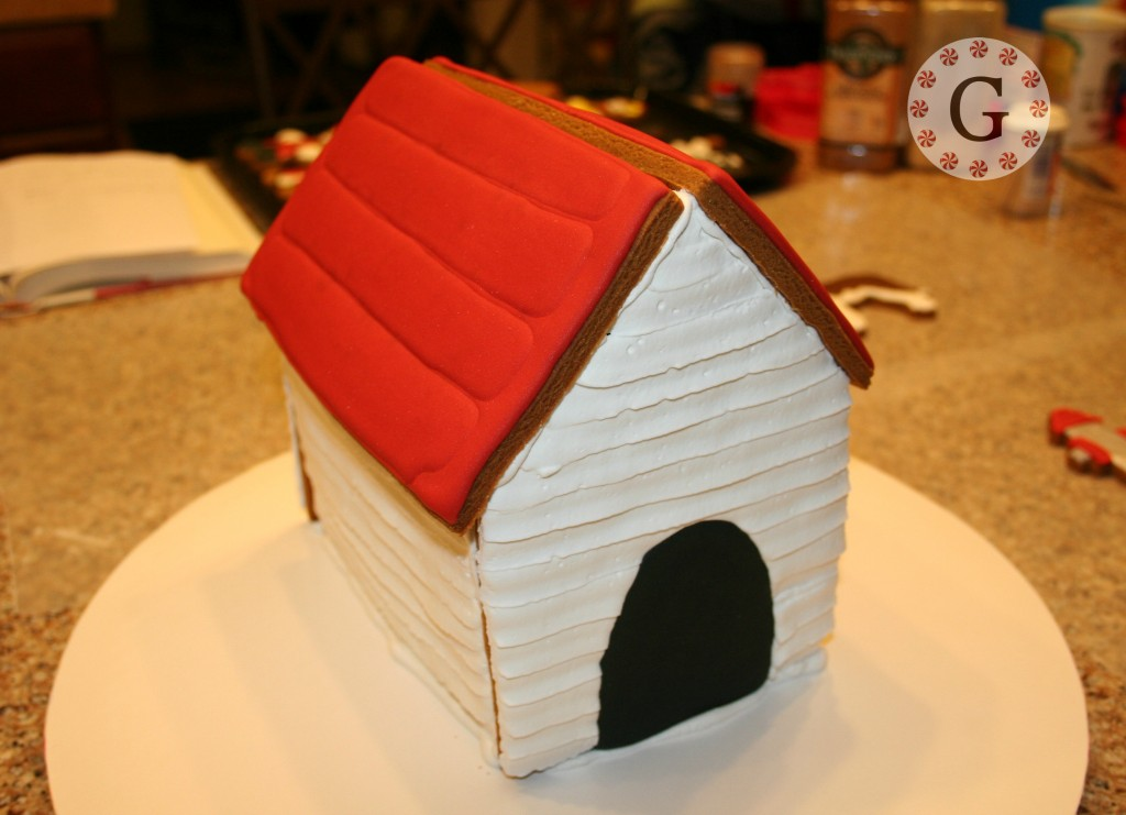 GingerbreadDogHouse9